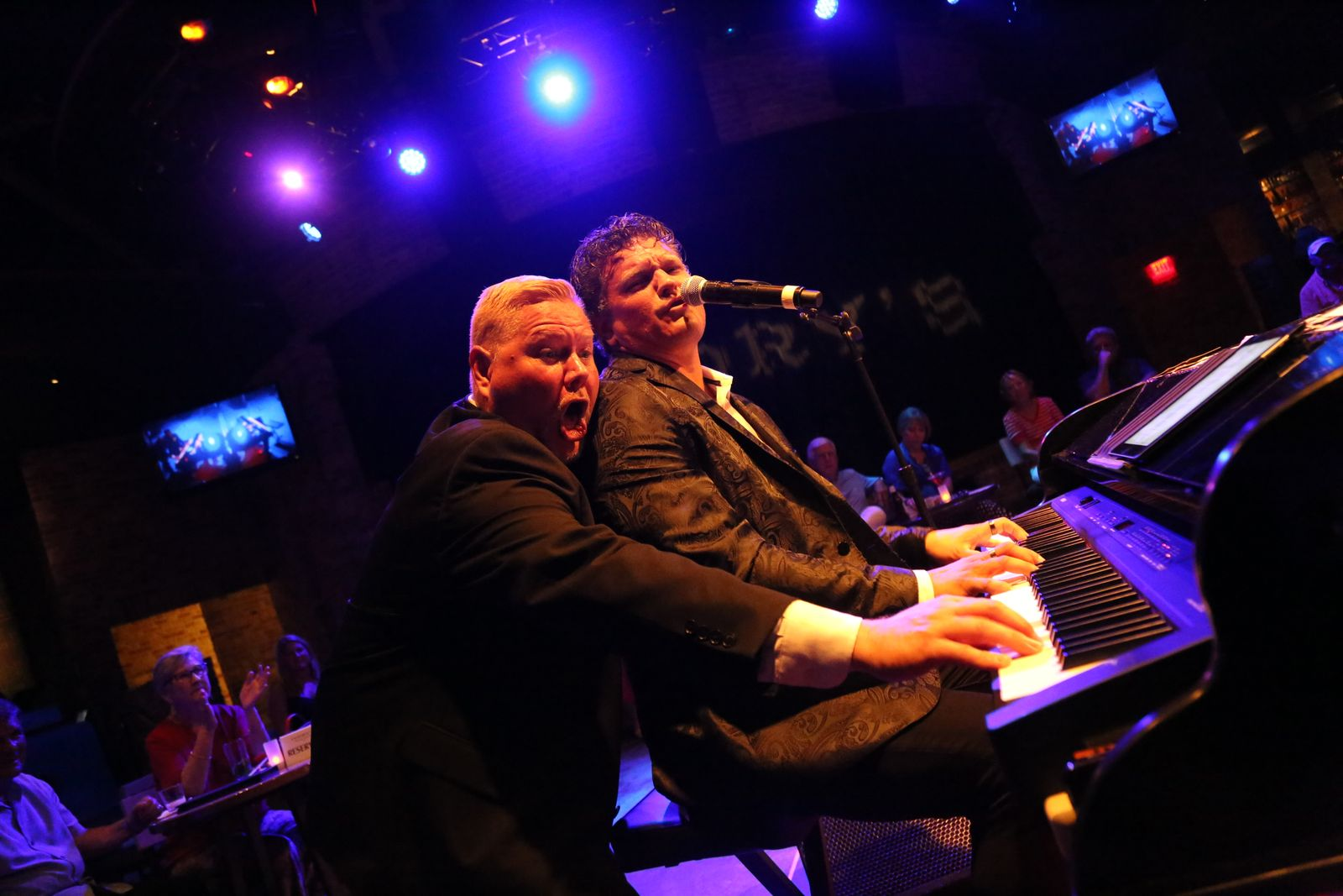 Dueling Pianos TG
